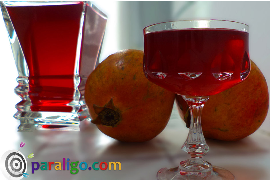 Pomegranate liqueur 1